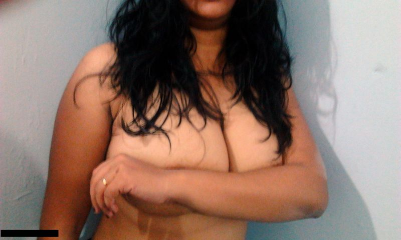 Sexy boobs call girls in delhi